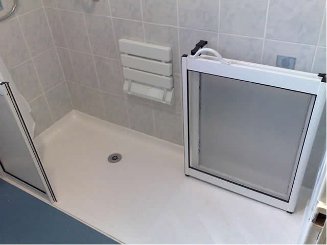 Low and Level Access Showers